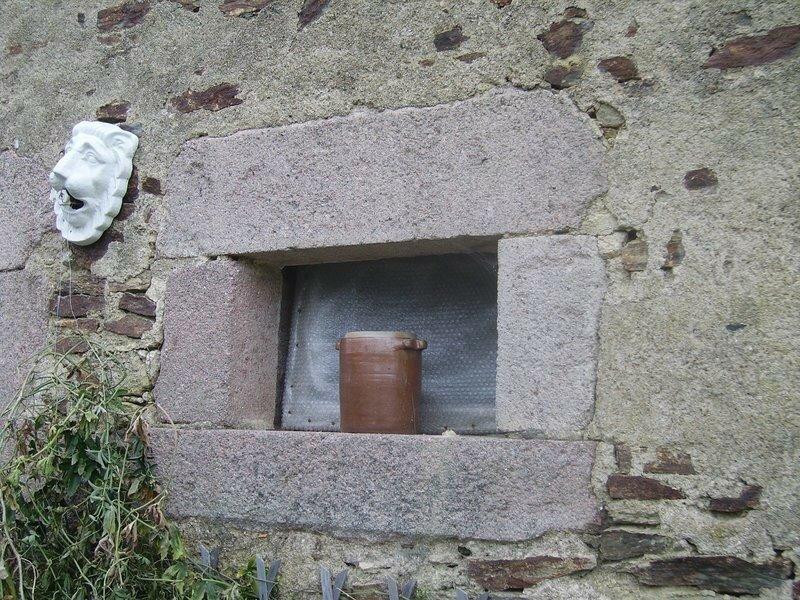 Encadrements de fenetre en granite photo de histoire de for Histoire de la fenetre