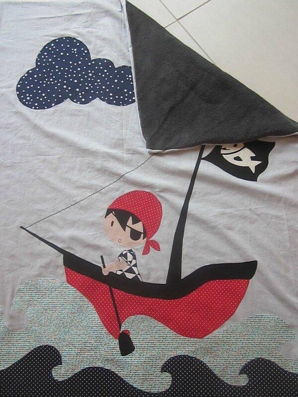 couverture pirate Raphaël août 2015 009