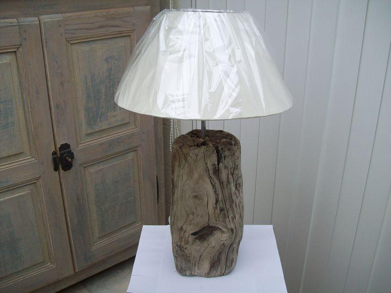 lampe en bois flotte thierry doyen fabricant de luminaires en galets et bois flott s. Black Bedroom Furniture Sets. Home Design Ideas