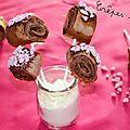 Crêpes sucettes {poudre de biscuits roses - chocolat - meringues}