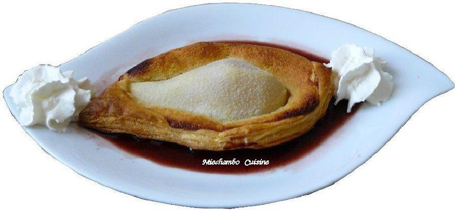 Feuilletés aux poires et à la crème d'amande, coulis de vin rouge et petite fugue à Roncharel