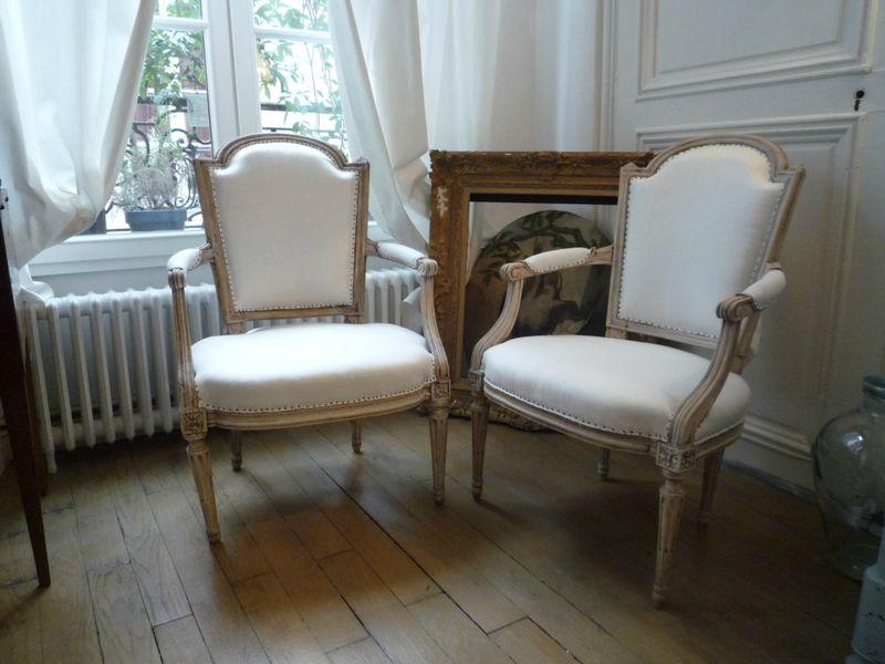 paire de fauteuils cabriolet louis xvi je chine pour vous. Black Bedroom Furniture Sets. Home Design Ideas