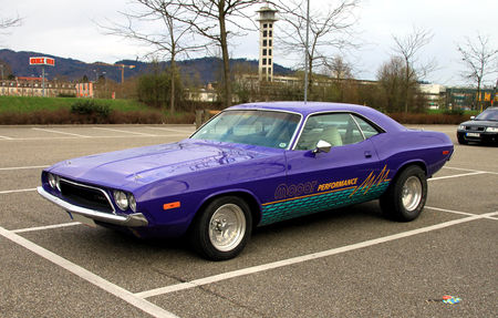 Dodge_challenger__Rencard_du_Burger_King__01