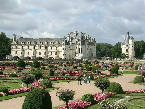 Chateau_chenonceau_fr[1]