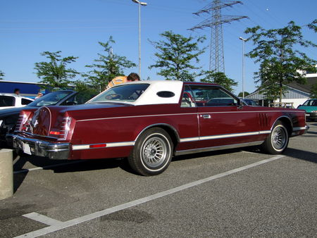 LINCOLN_Continental_Mark_V_Hardtop_Coupe___1977_1979__Rencard du Burger King, Offenbourg 2_
