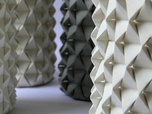Palmas-vase-origami-béton-par-Ofir-Zucker-et-Ilan-Garibi-blog-espritdesign-5