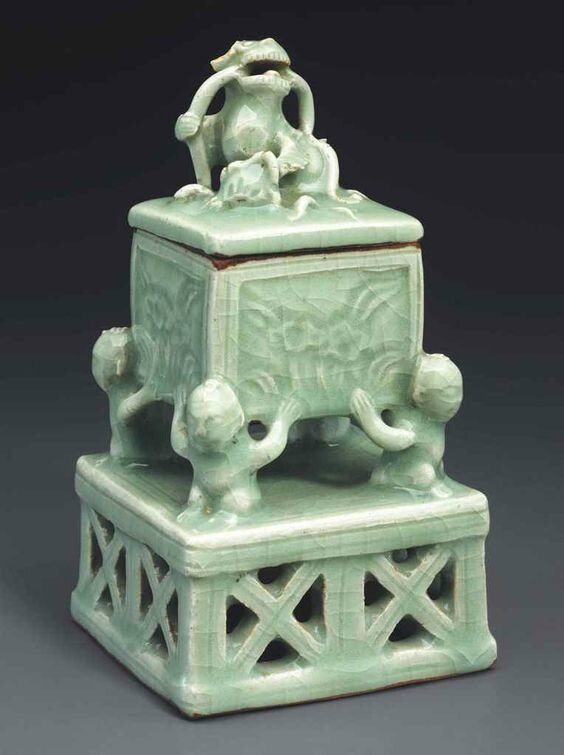 An unusual small Longquan celadon censer and cover, Ming dynasty, 16th century