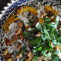 Salade tiède au riz complet, lentilles germées et courge delicata rôtie