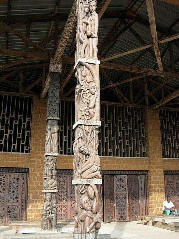 Libreville (Pilier de l'église St Michel)