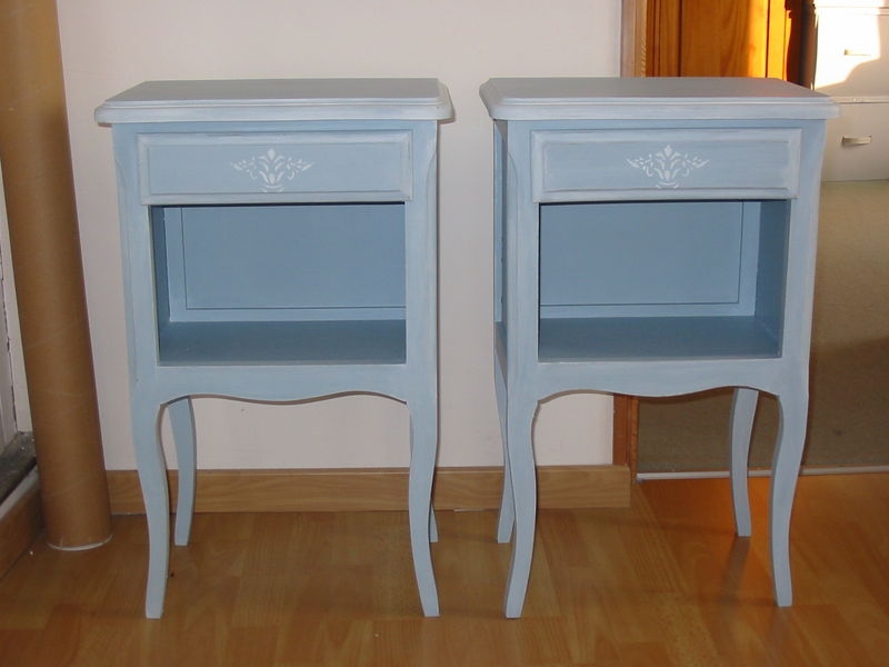 Table de chevet tendance peinture et patine for Table de nuit grise