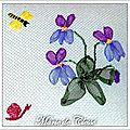 Boite violettes brodées ruban organza détail