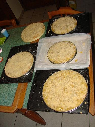 2008 05 17 Les 5 tartes aux pommes au crumble que Cyril a fait