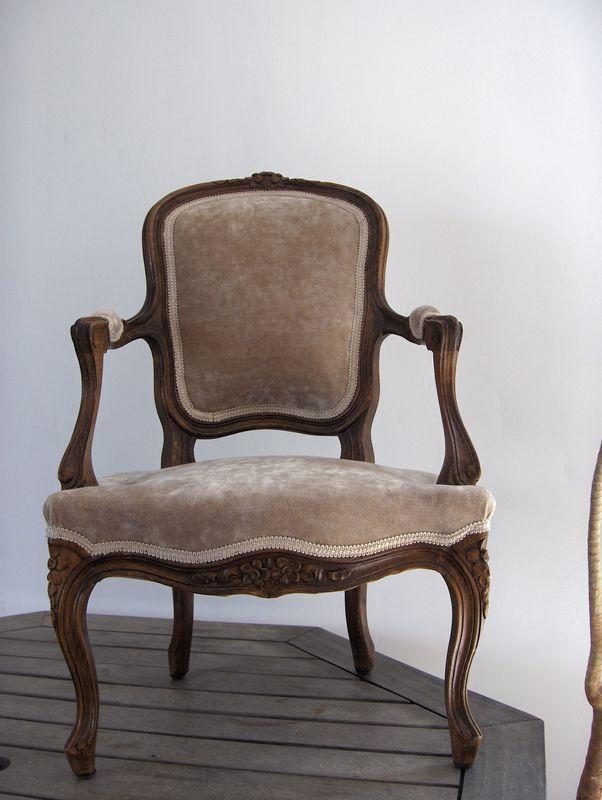 Cabriolet enfant Louis XV tissu P.Frey