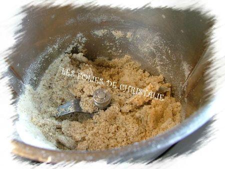Gâteau aux noix à la gelée de pommes 4
