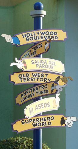 Parc Warners Bros- panneaux