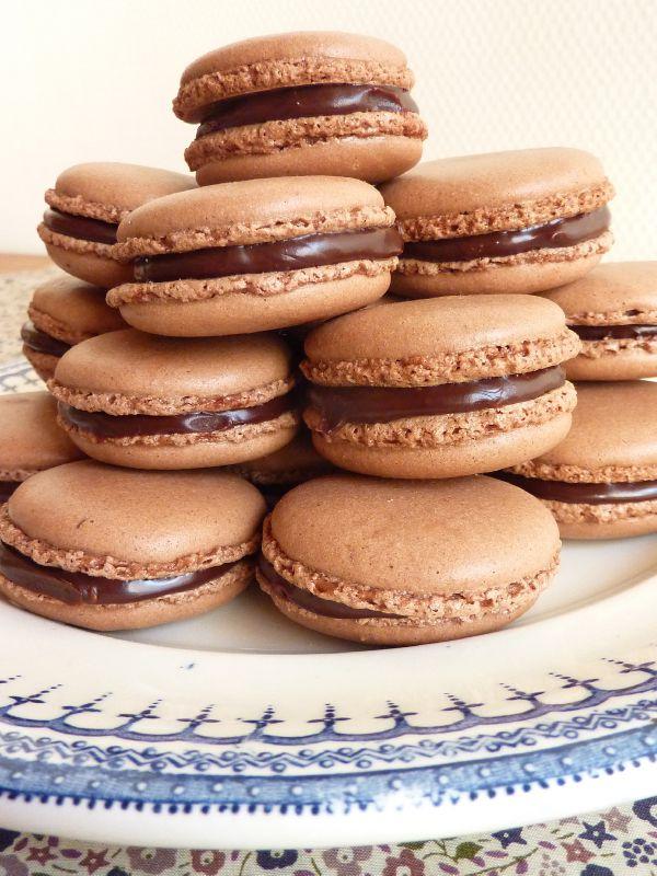 Macarons au chocolat à la fève de tonka