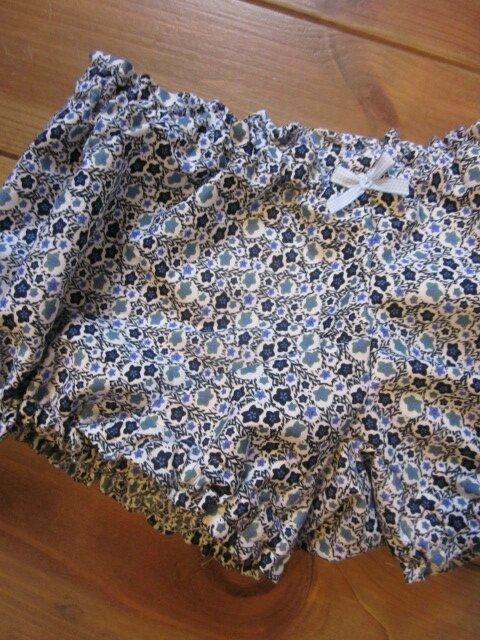 Culotte BIANCA en coton imprimé fleurs marine et ciel - noeud vichy ciel (2)
