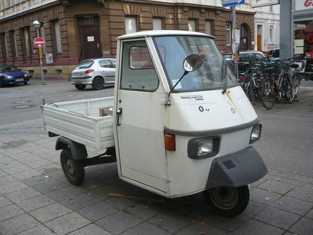 PIAGGIO Vespacar P50 Karlsruhe (1)