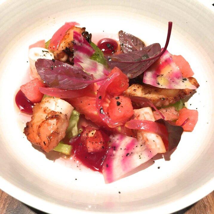 Poulpe grillé, gelée de tomates, tomates anciennes (1)