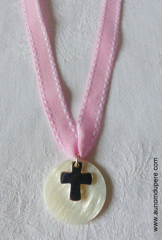 Collier de Communion avec Croix 16 mm en argent massif - 36 €