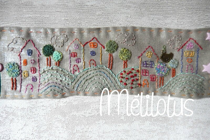 Broderie Maisons1