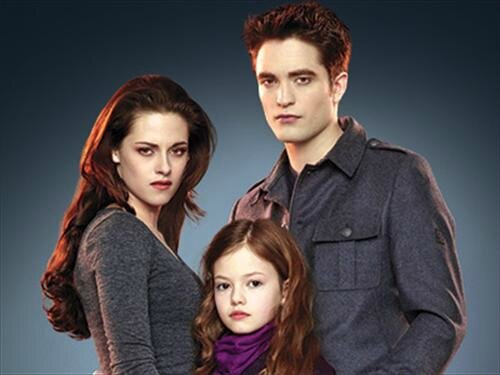 Bella-Edward-and-Renesmee-bella-cullen-vampire-31296914-500-375