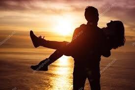 """Résultat de recherche d'images pour """"couple amoureux coucher du soleil"""""""