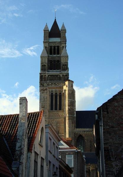 La Cathédral Saint Sauveur