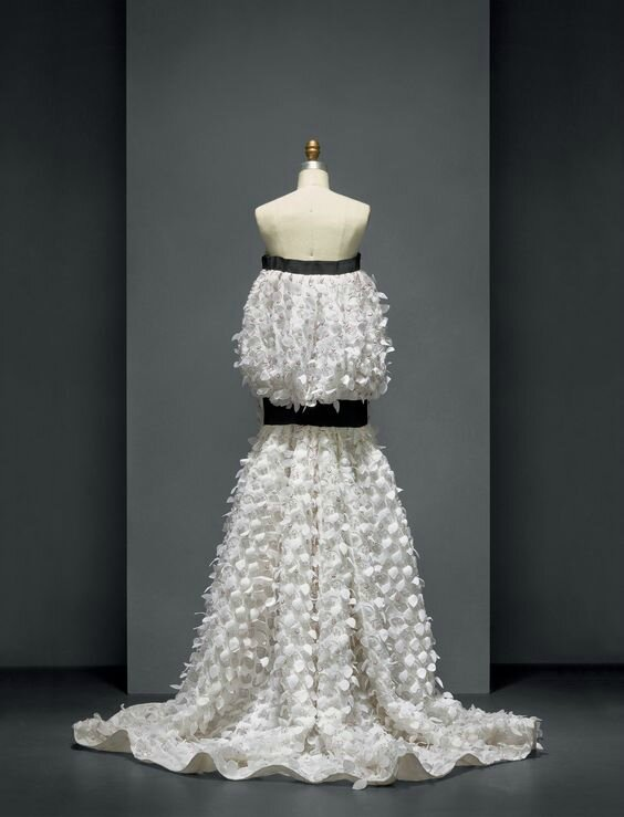 House of dior raf simons dress spring summer 2014 for Haute couture houses list