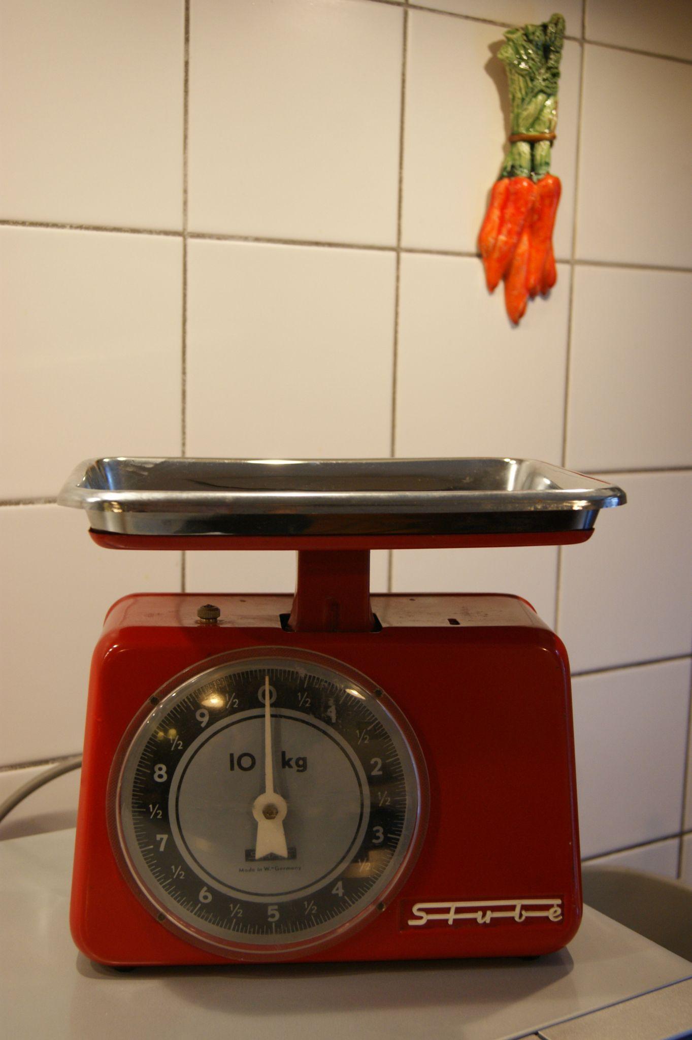 Balance de cuisine rouge retro pr l vement for Cuisine retro rouge