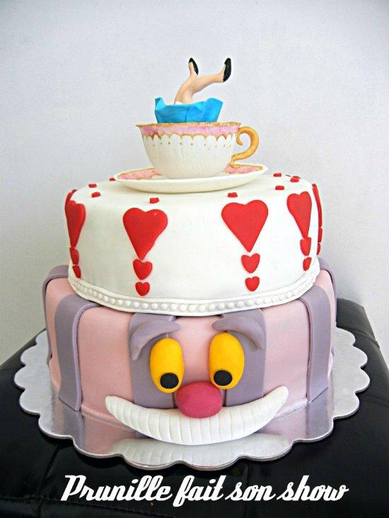 "Wedding cake ""Alice au pays des merveilles"""