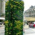 Colonne fleurie mobile autonome en énergie