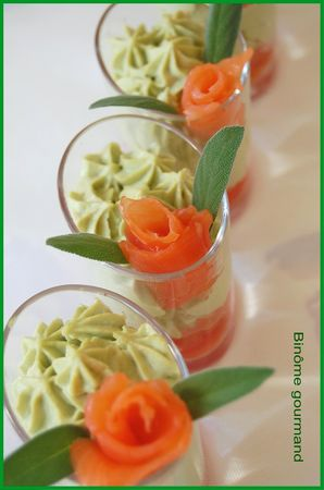 verrines_mousse_avocat_tomate_saumon5