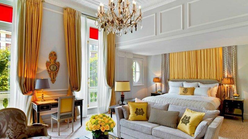 002795-04-Hotel-Plaza-Athenee---Junior-Suite-Prestige-214---HR---c-Eric-Laignel-3