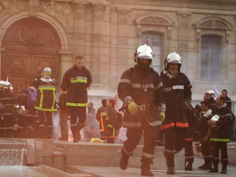 Pompiers contre CRS: Les pompiers
