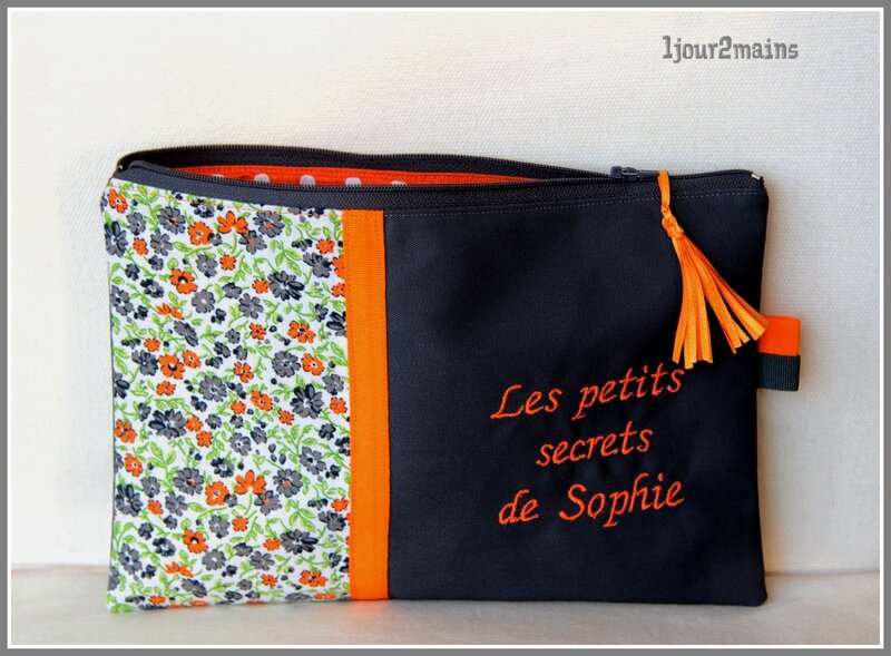 trousse grise et orange
