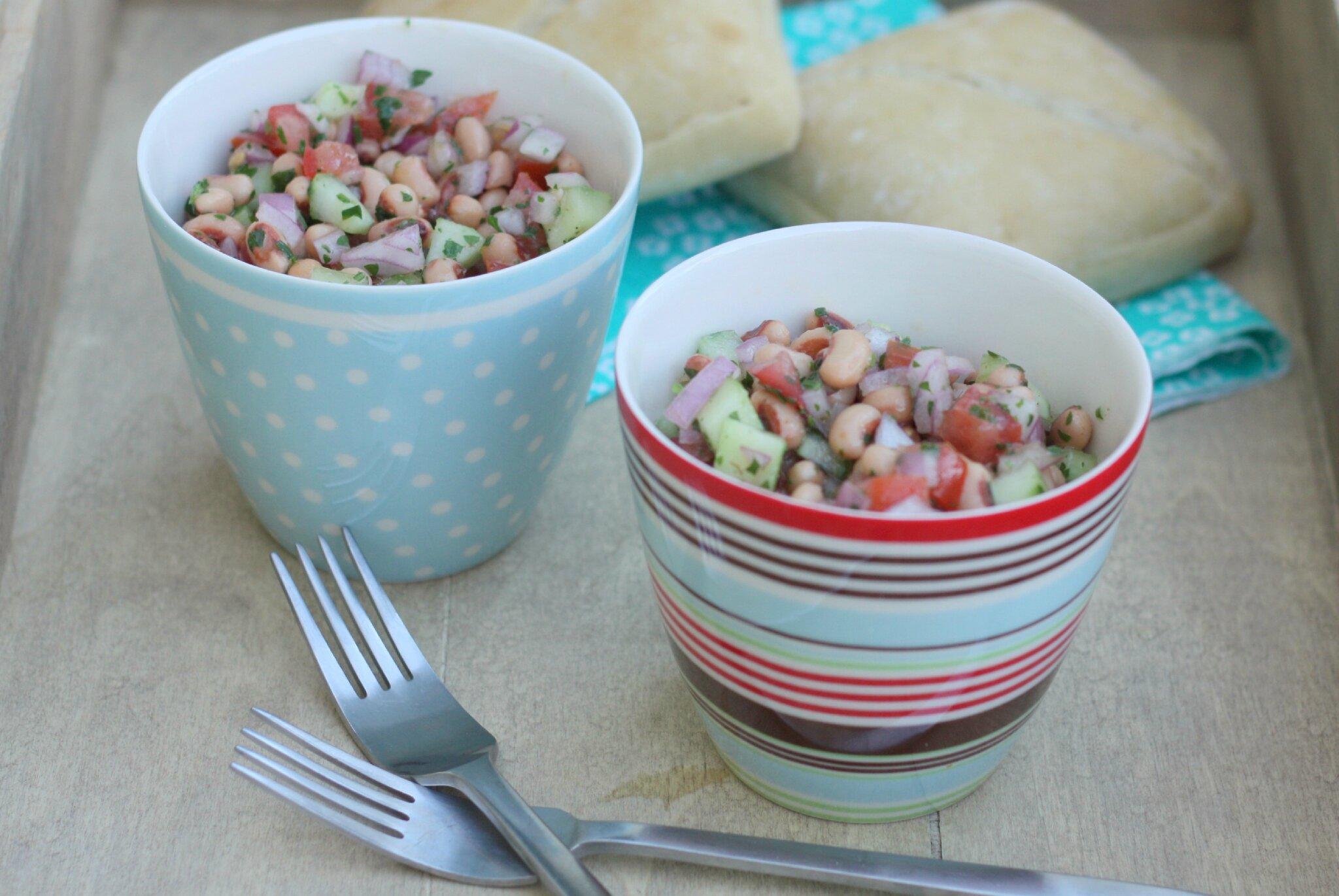 Salade de haricots cornille