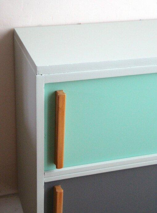 meuble-vintage-a-portes-coulissantes-detail