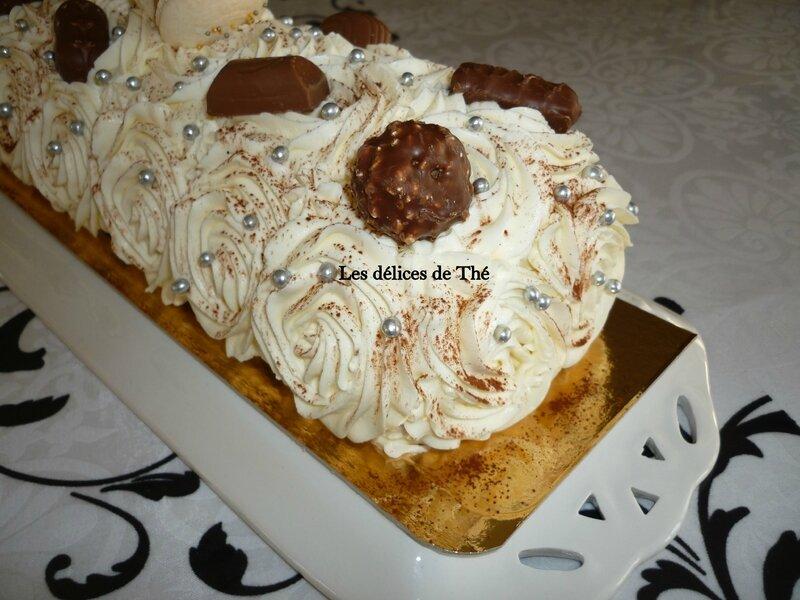 Bûche biscuit chocolat crème vanille et crème noix de coco 23 12 16 (12)