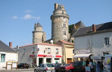 Apremont_Centre_Village