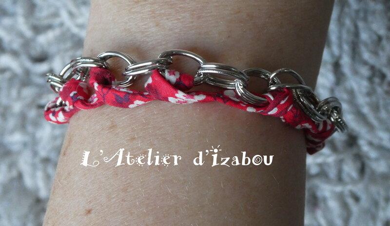 P1020694_Bracelet_chaine_et_liberty_rouge__fermoir_toggle_rond