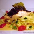 Pav de saumon vapeur  la tapenade, sauce au poivron rouge