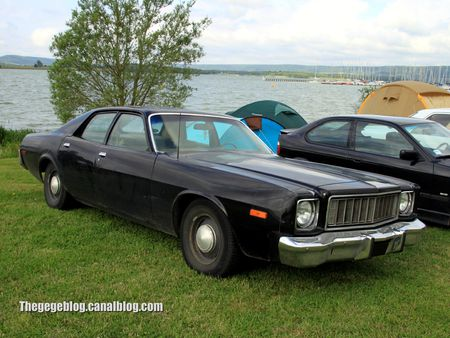 Plymouth fury 4 door sedan de 1975 (Retro Meus Auto Madine 2012) 01