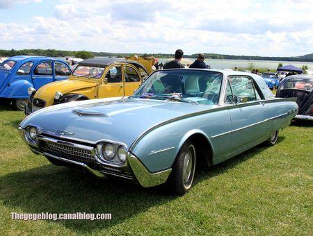 Ford thunderbird coupé de 1961 (Retro Meus Auto Madine 2012) 01