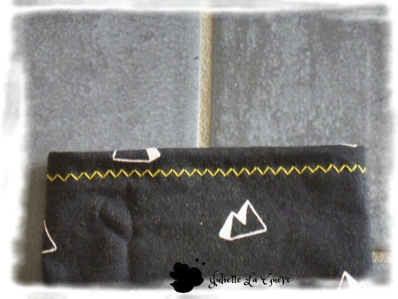 Cassy, Seattle Beanie et guêtres jaune et noir11