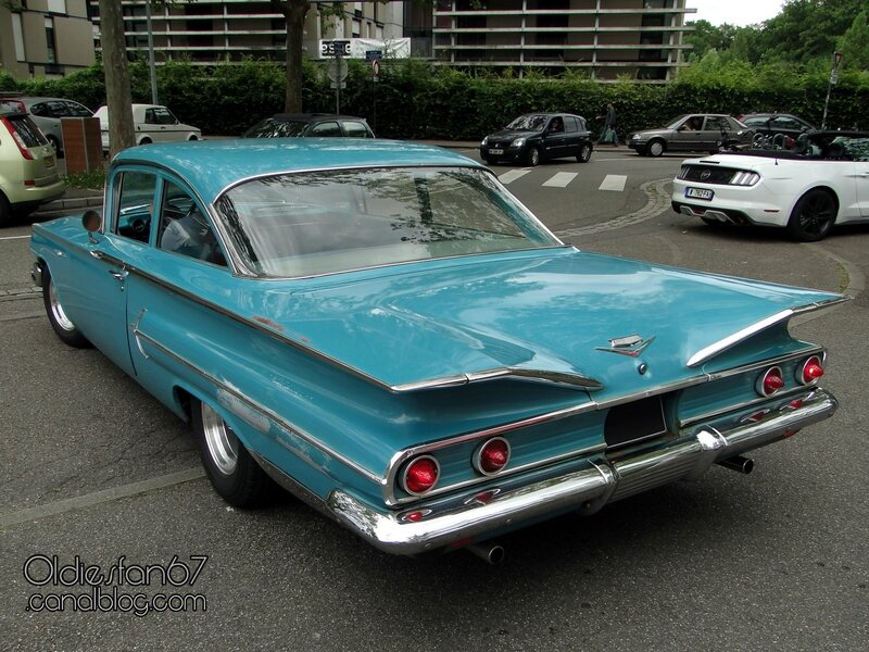chevrolet-bel-air-2door-1960-02
