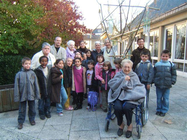 rencontres intergénérationnelles maisons retraite