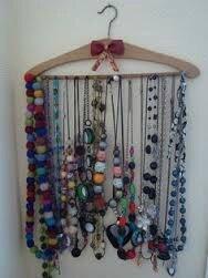 astuces pour bien ranger ses bijoux la petite f e chrysalide. Black Bedroom Furniture Sets. Home Design Ideas