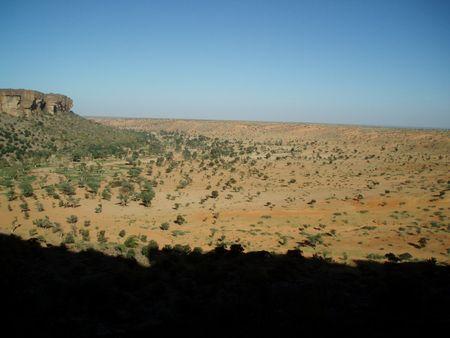 Plaine dogon et dunes près de Nombori Mali