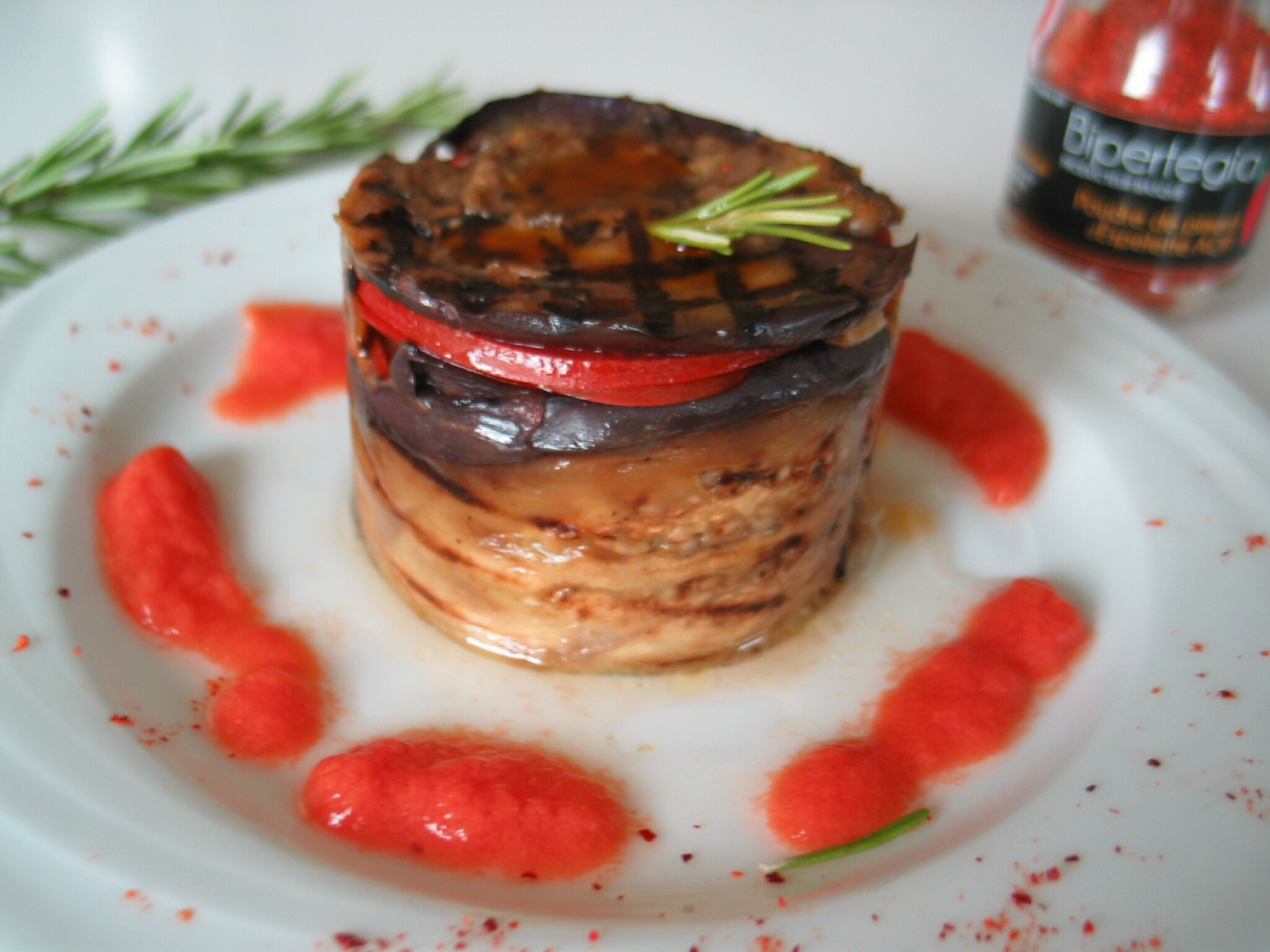 Mini charlotte aubergine et tomate et son coulis for Entree facile ete
